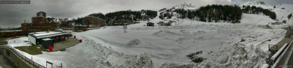 la-plagne-front-piste-center-panoramic-webcam.jpg